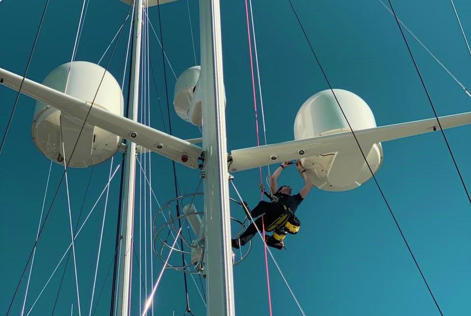 Onsite mast installation